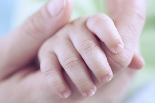 Высокая температура и холодные конечности у ребенка